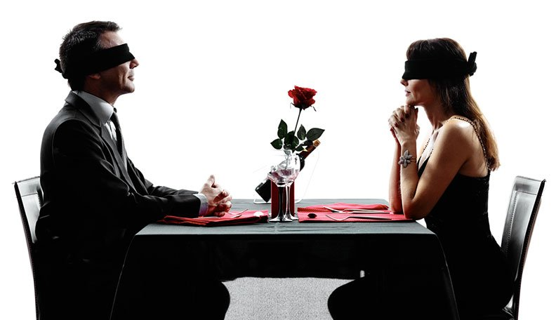 How to find date and place for live casual relationships?